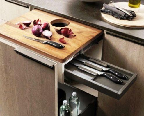 Cocina Mia - Detalle de la mesa de trabajo extraible