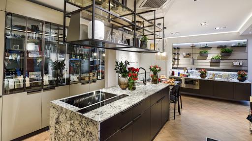 Scavolini Store Niel se dedica a las cocinas, salas de estar y vestidores de la marca.